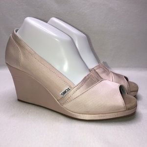 Toms Light Pink Ribbed Peep Toe Wedges 9.5